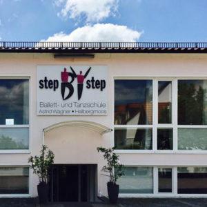 Let's dance – in Hallbergmoos Highlights der Ballettschule Step by Step