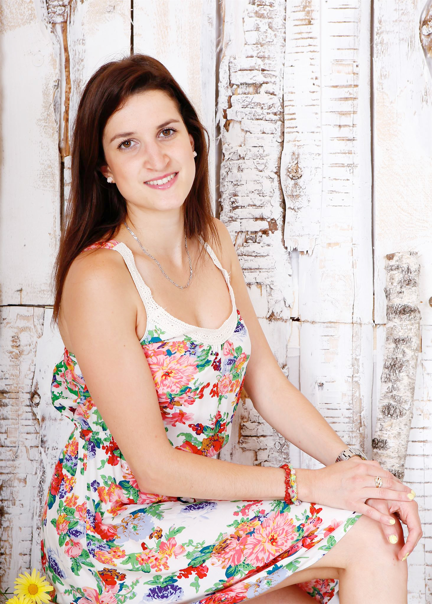 Simona Šufliarska - auspowern & tanzen In diesem Kurs verbinden sich Elemente aus verschiedenen Tanzstilen zu heißer lateinamerikanischer Musik. Die rhythmischen Bewegungen zu Salsa, Merengue, Mambo oder Reggaeton machen Spaß und bringen Sie in Schwung. Alle Schritte und Drehungen sind für jeden einfach zu erlernen und bringen die Stimmung zum Kochen.